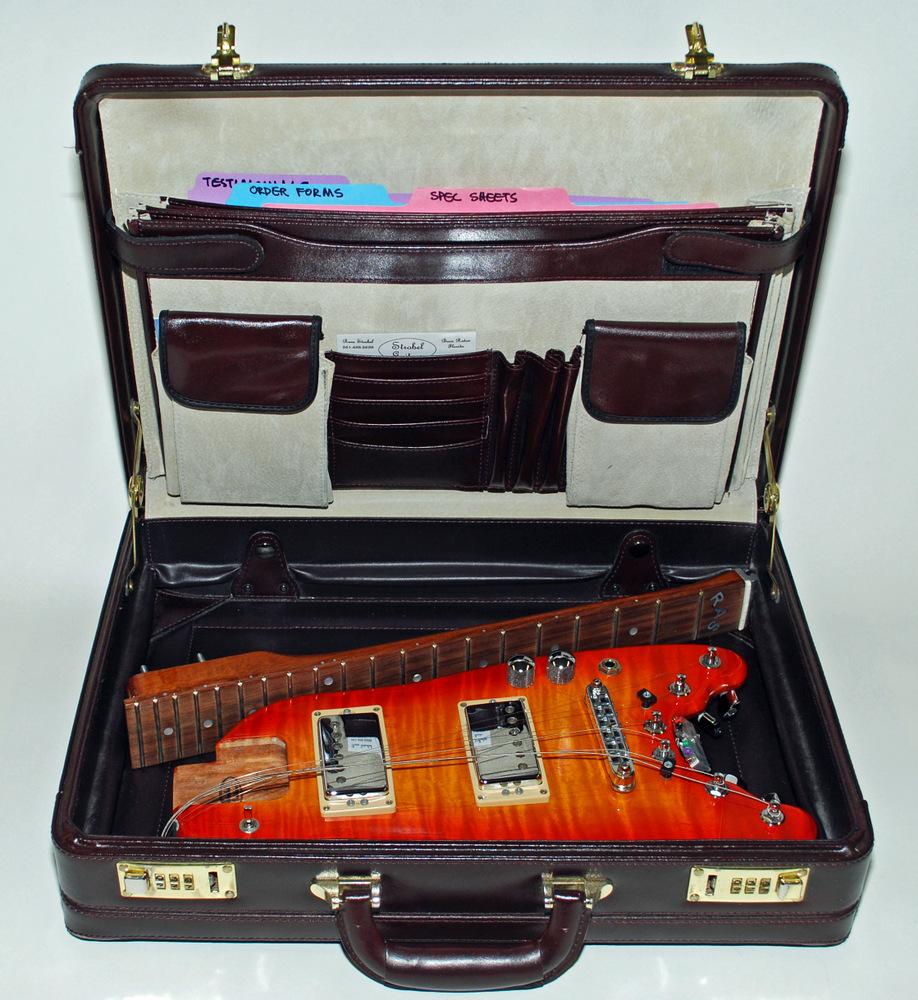 Strobel-travel-guitar