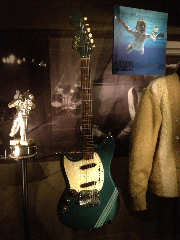 Fender-Mustang-Kurt-Cobain