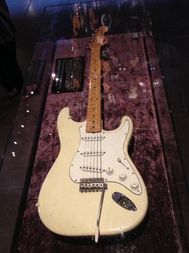 Fender-Stratocaster-Jimi-Hendrix-Woodstock