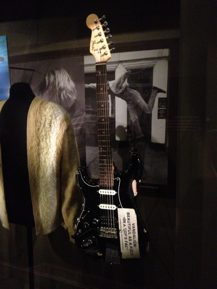 Pics Photos - White Fender Strat In Kurts Guitar By Kurt Cobain Buddy Holly Electric Guitar