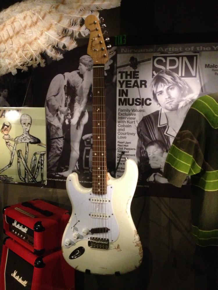 Fender-Stratocaster-Kurt-Cobain