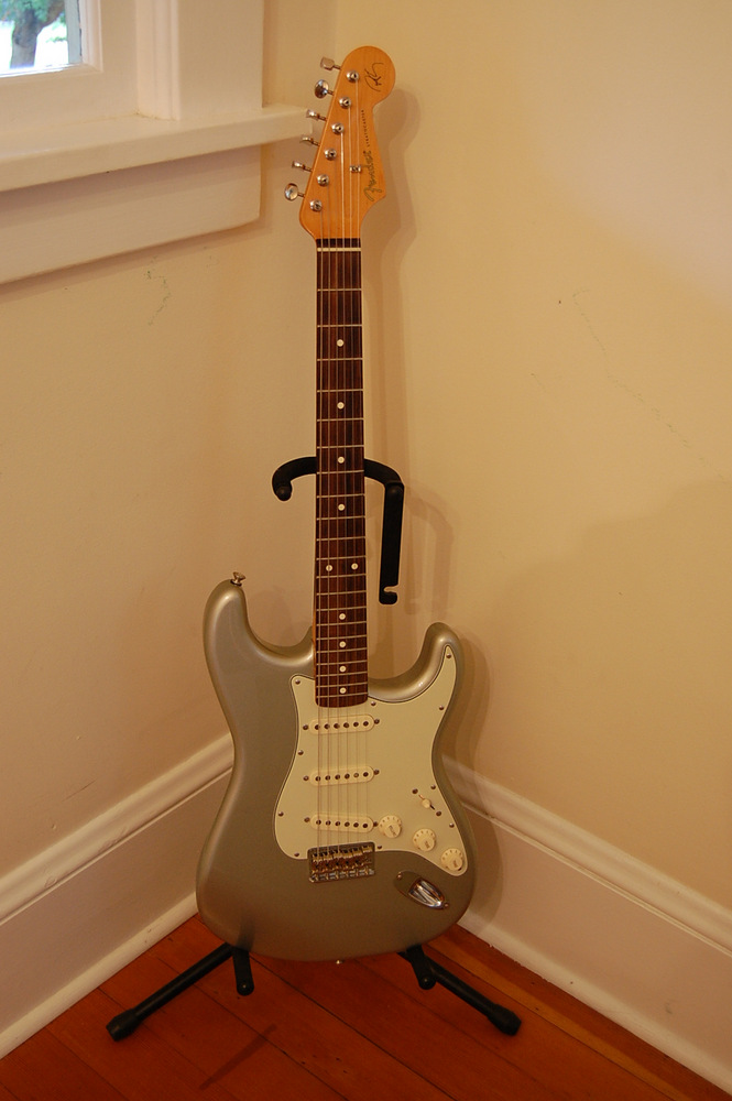 my new robert cray stratocaster guitar idiot. Black Bedroom Furniture Sets. Home Design Ideas